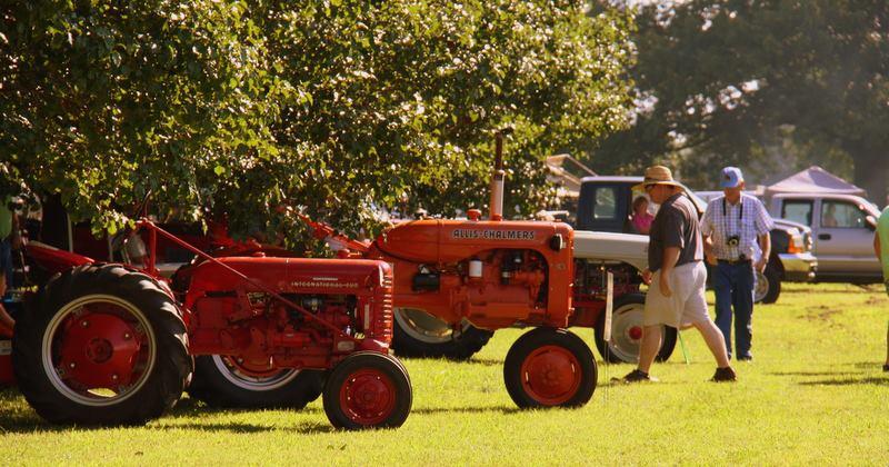 ec-tractor-show